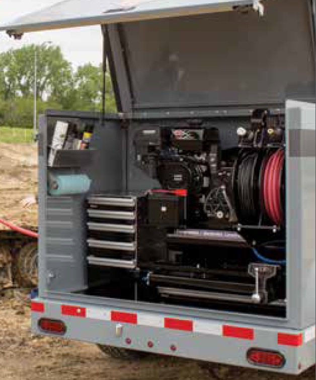Thunder-Creek-DTW-Fuel-Trailer-rear